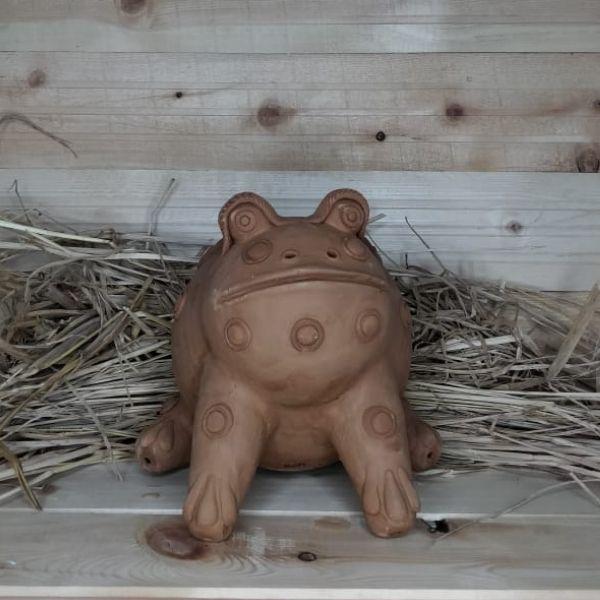 frog shape terracotta